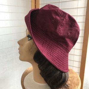NWOT Newhatten bucket Hat Burgundy cotton twill